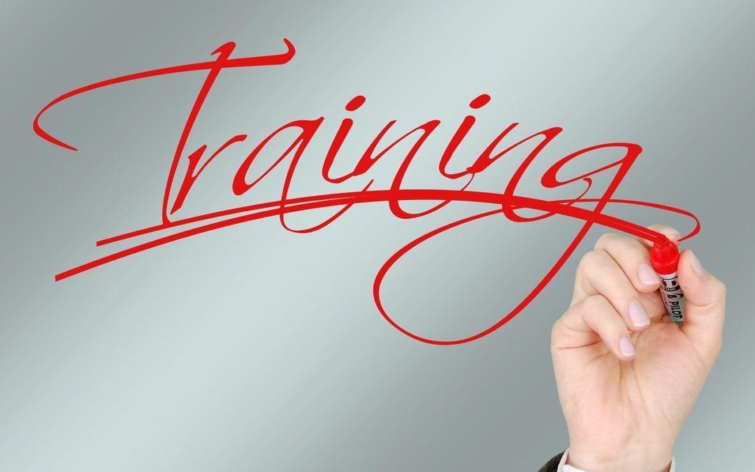 Jak sprytnie i małym kosztem rozwijać się zawodowo?